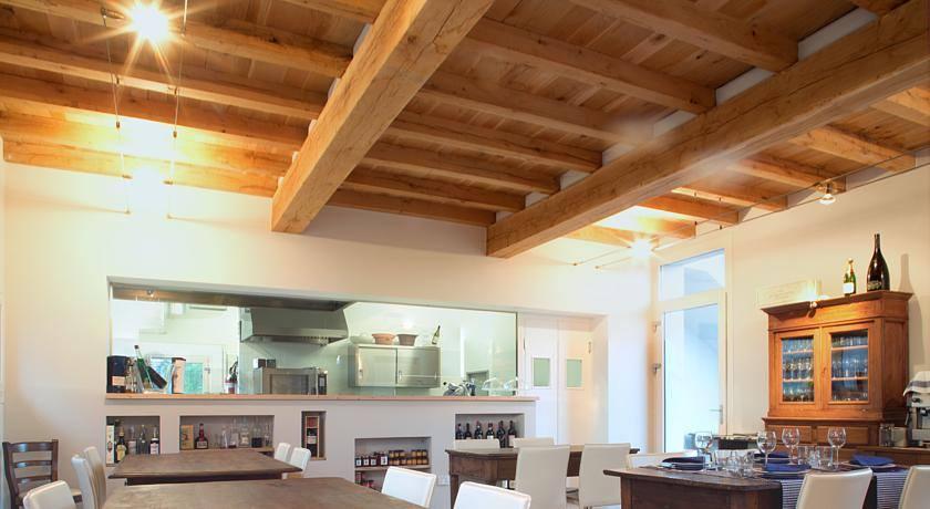 Il Cielo di Strela Sala ristorante con cucina a vista