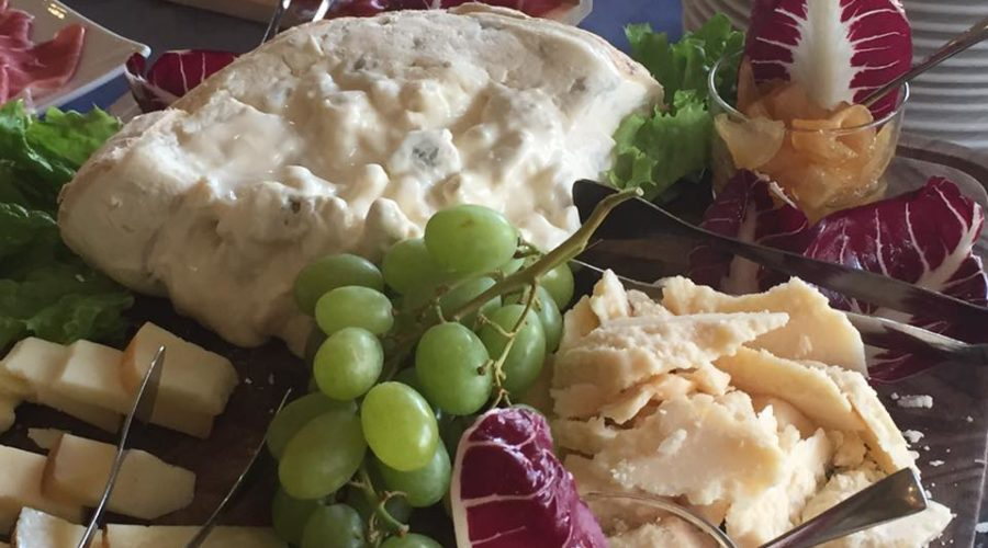 Parmigianino buffet formaggi