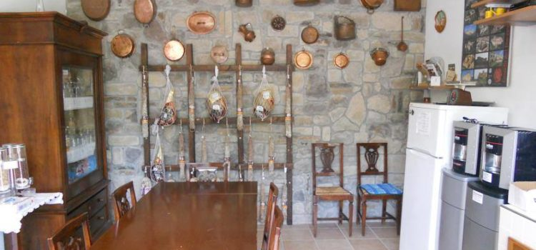 sala_colazione_al_glicine