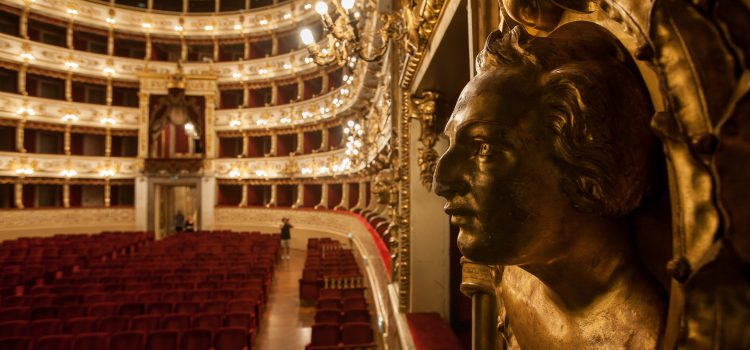 Teatro Regio interno