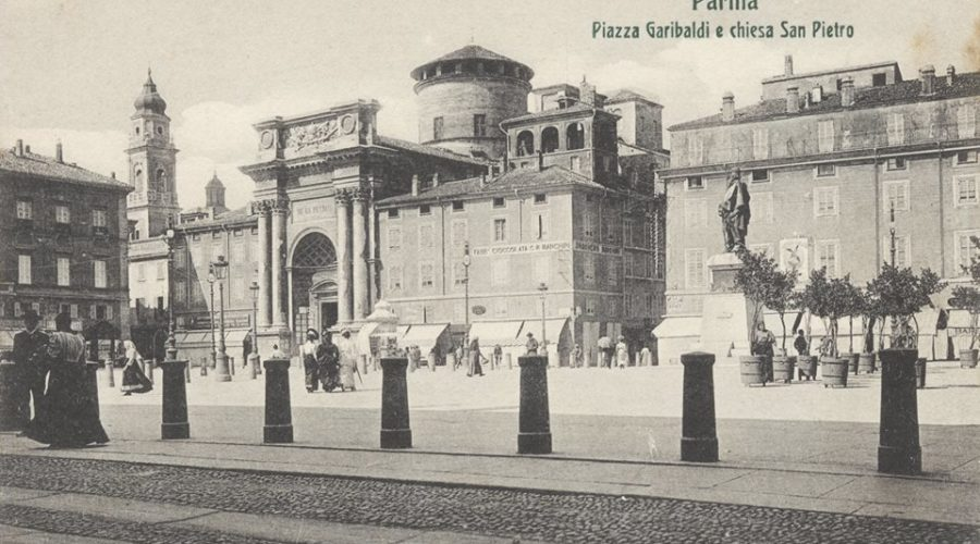 Banchini_piazza_garibaldi_sede_storica