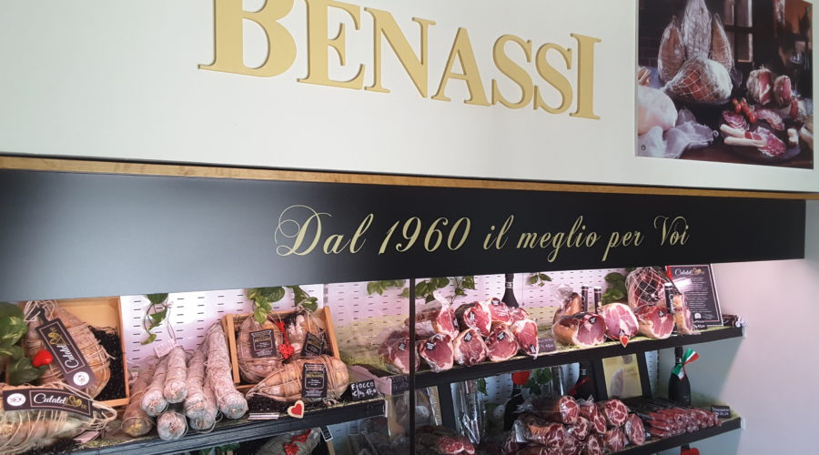 benassi_negozio_bancone
