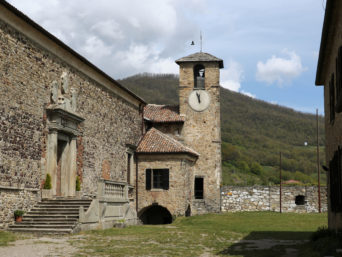 Tour Coccole in Appennino - Castello di Bardi