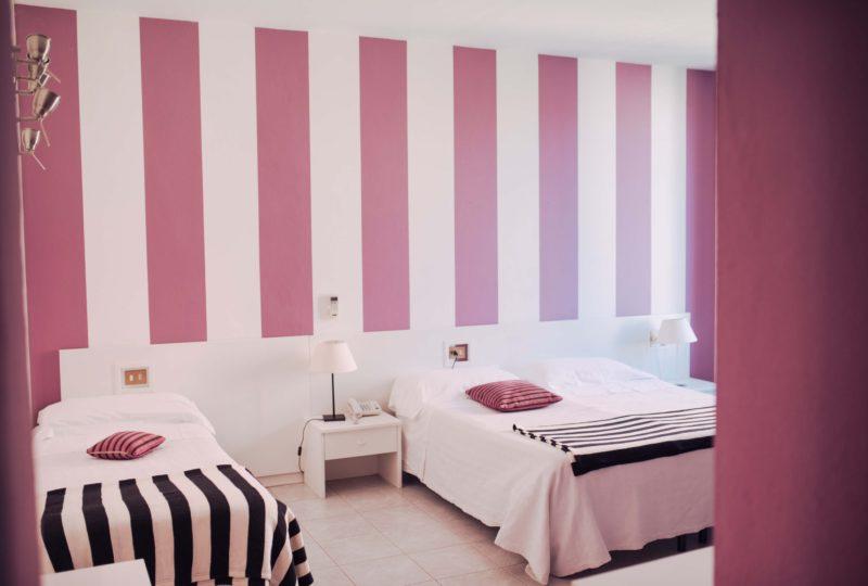hotel elite camera doppia rosa small